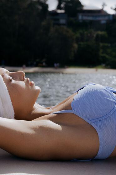 Hunkemöller Scallop formstøbt bikinitop med bøjle blå
