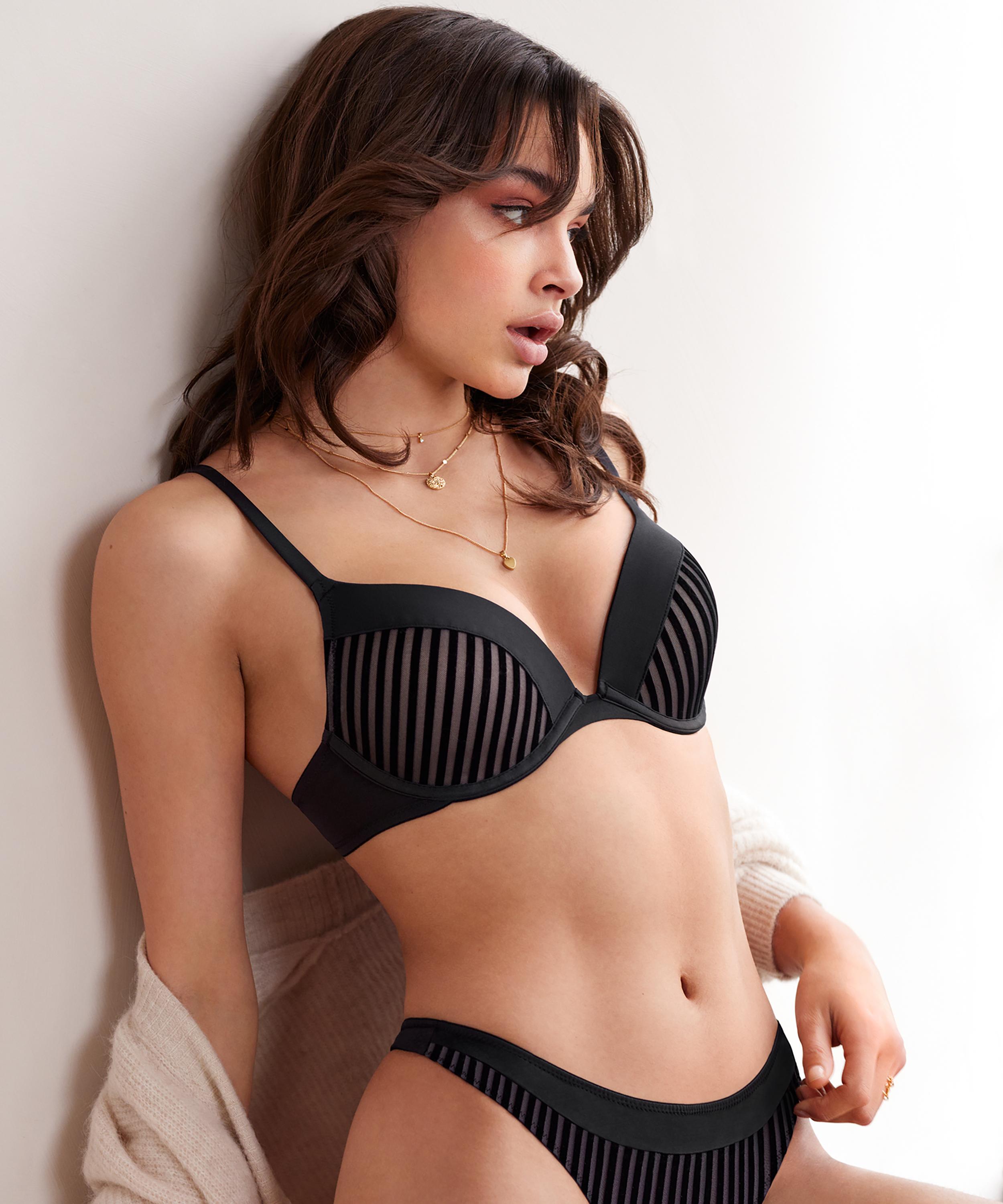 Pia formstøbt pushup-bøjle-bh, sort, main