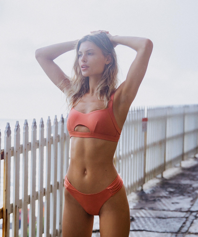 Højt udskåret bikinitrusse Bonita, Orange, main
