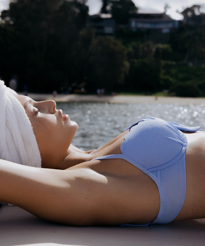 Scallop formstøbt bikinitop med bøjle, blå, main