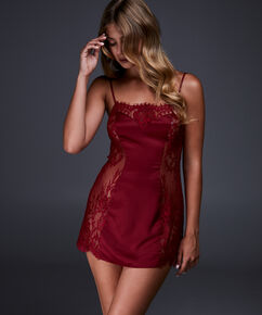 Jennifer natkjole, rød